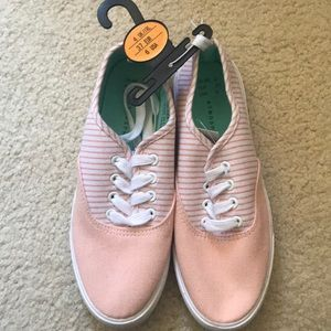 Shoes - NWT Pink Sneakers